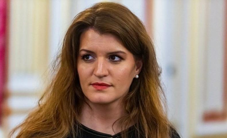 انتقاد وزیر فرانسوی از «تست بکارت» در یک سریال تلویزیونی