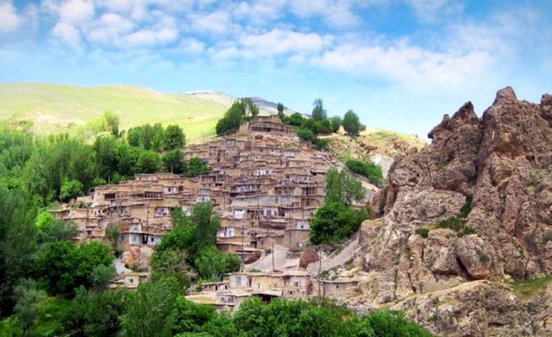 آغاز بازسازی و احیای بافت با ارزش روستای قوزلو