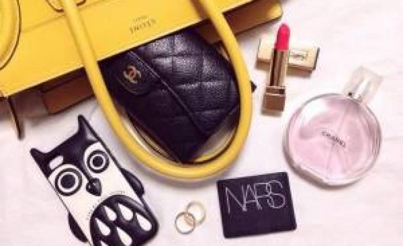خانم های باکلاس داخل کیفشون چه وسایلی دارن؟