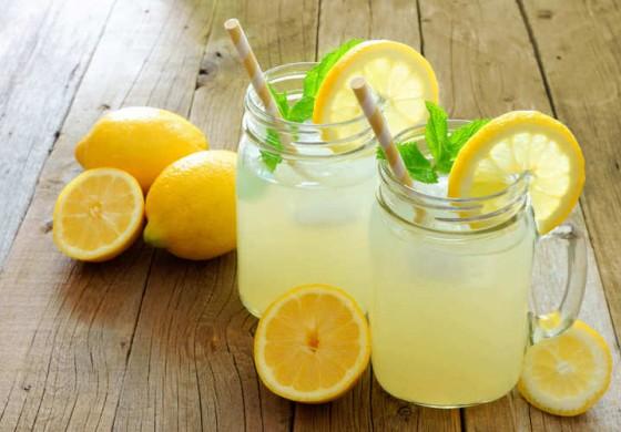 پیشگیری و درمان گرمازدگی با ۱۰ نوشیدنی گیاهی