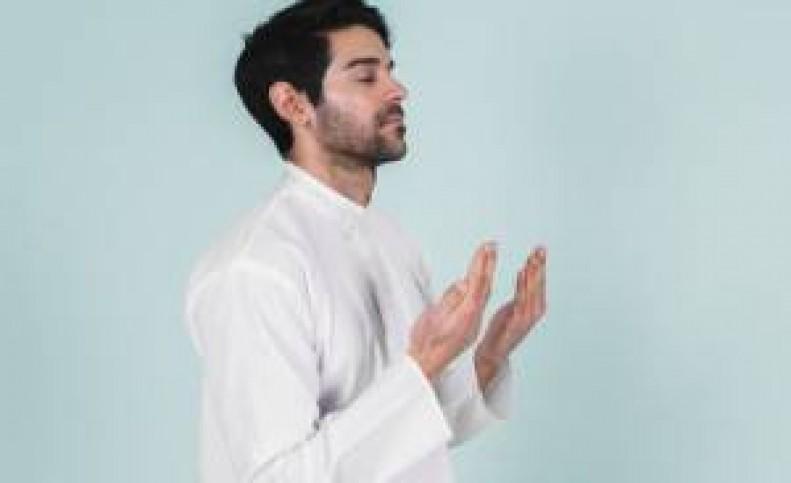12 دعای سریع الاجابه توصیه شده