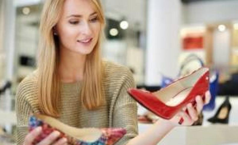 کفشی که داخل کمد هر خانمی باید باشه