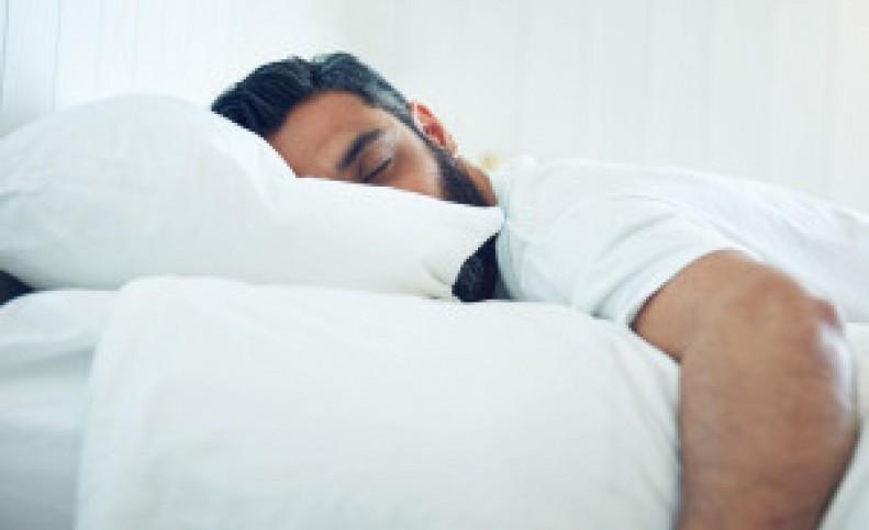مردی که 300 روز سال خوابه !