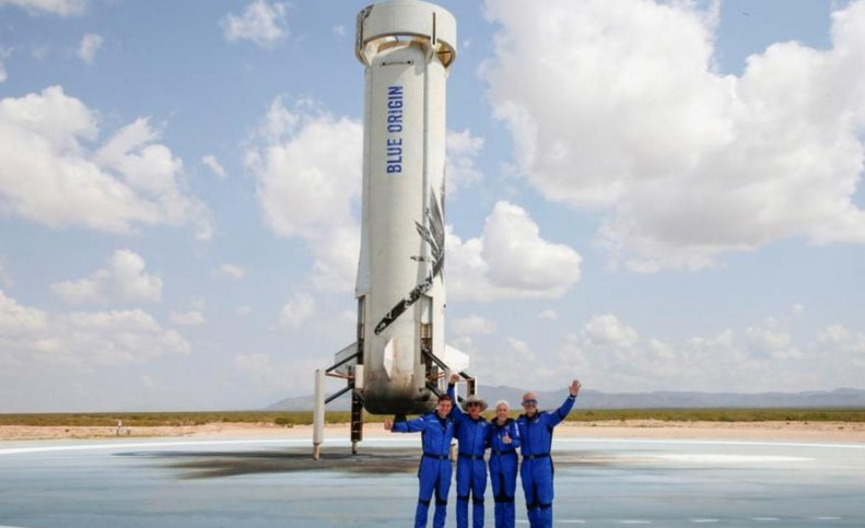 (تصاویر) جف بزوس، ثروتمندترین فرد جهان به فضا رفت