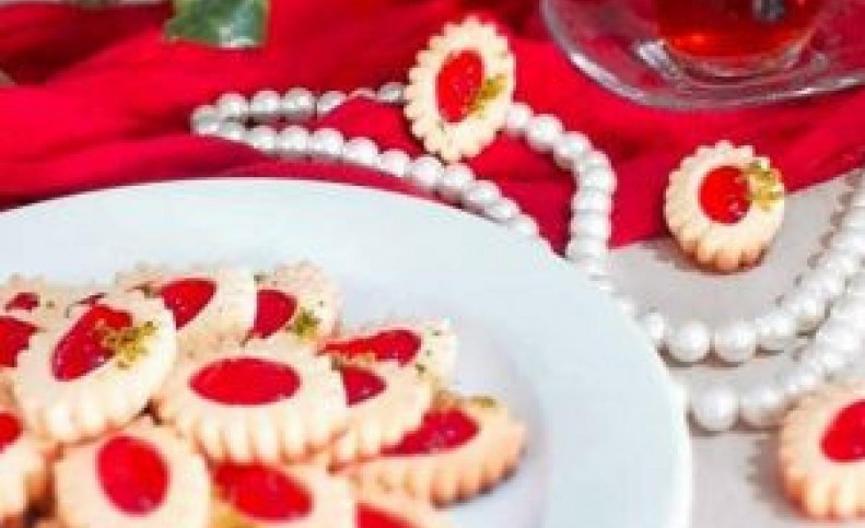 طرز تهیه شیرینی یاقوتی در منزل با طعمی جذاب