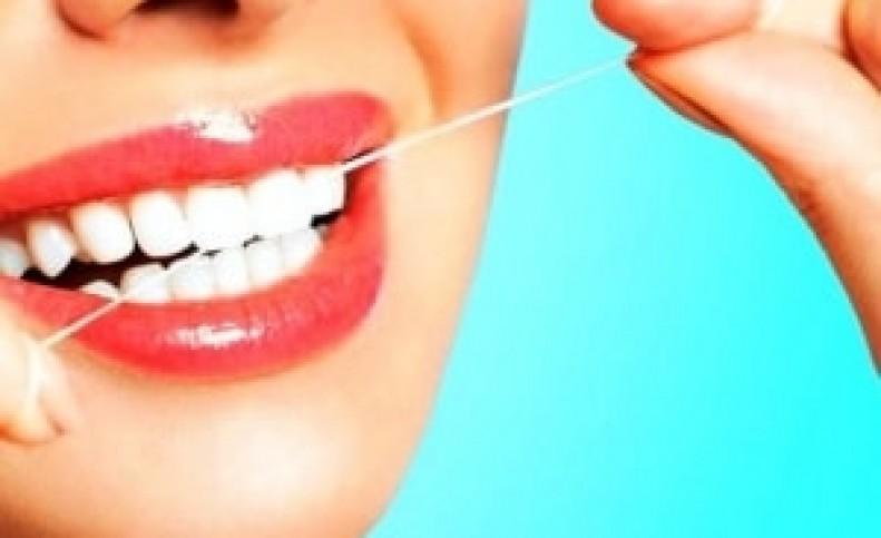 نخ دندان تاثیری در سلامت دندان ندارد !!