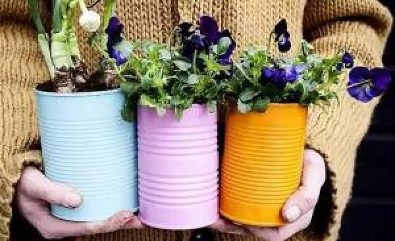 با دور ریختنی ها گلدان های شیک بسازید