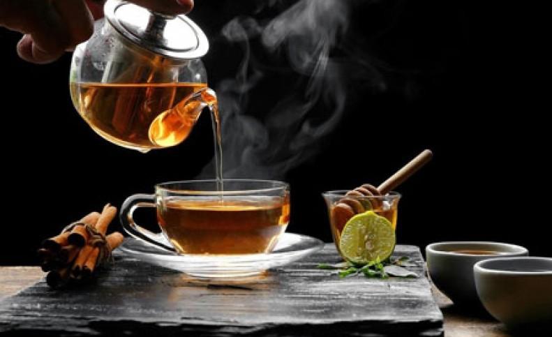 آداب و رسوم نوشیدن چای در کشورهای مختلف چگونه است؟