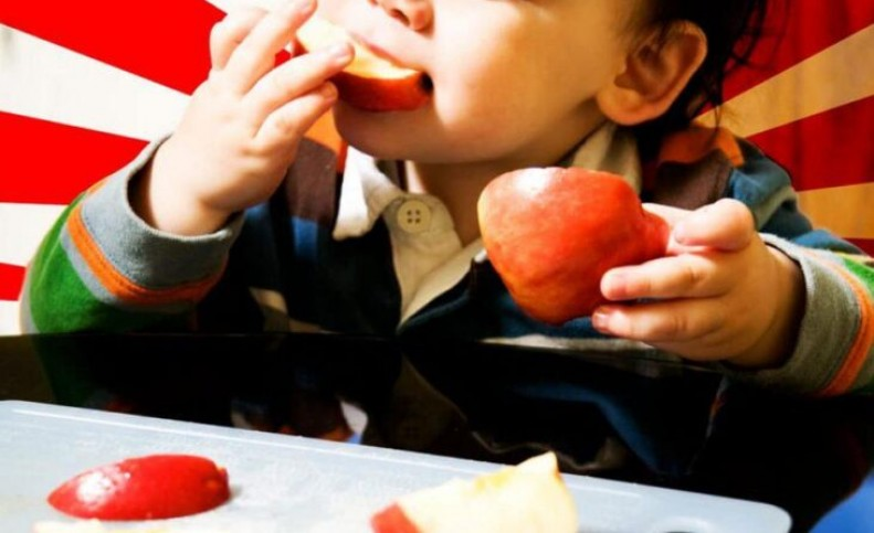 3 خاصیت سیب برای کودکان