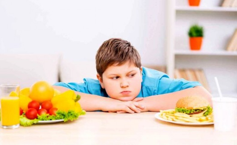 کدام خوراکیها بهسلامت روان کودکان کمک میکند