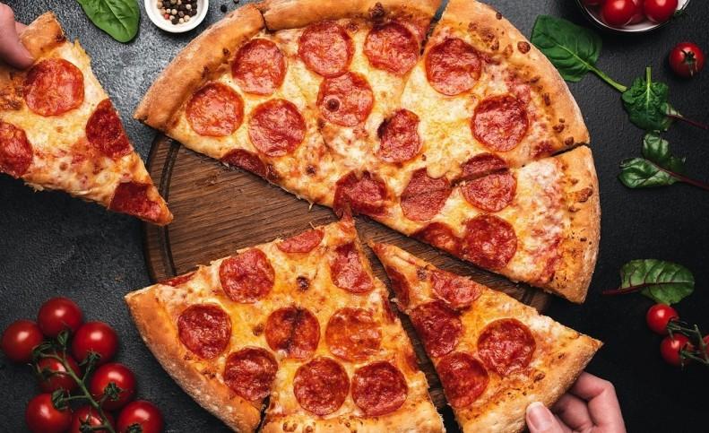آموزش پیتزا سنگی در ماهی تابه، بدون نیاز به فر