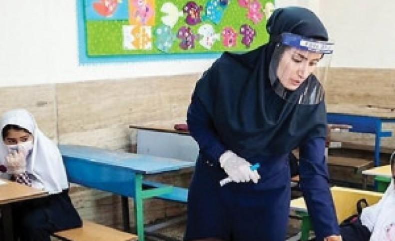 آموزش حضوری مدارس از آبان با یک سوم دانش آموزان