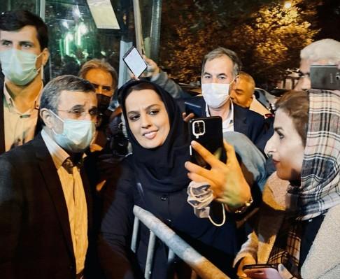 تصاویری از جشن تولد محمود احمدی نژاد/ او امروز چند ساله شد؟